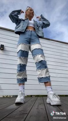 Indie Outfits, Cute Casual Outfits, Fashion Outfits, Fashion Sewing, Denim Fashion, Diy Clothes Design, Painted Clothes, Painted Jeans, How To Make Clothes