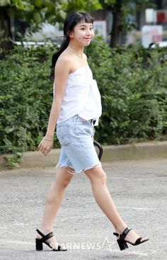 Chaeyoung Twice, Summer Days, White Shorts, Graduation, Korea, Kpop, Female, Fashion, Moda