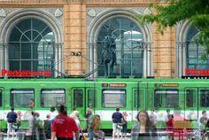 Bahnhofsvorplatz in Hannover | by niedersachsenfoto  |  ⍇ DDR in color 250