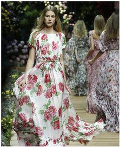 dolce e gabbana abiti collezione primavera estate