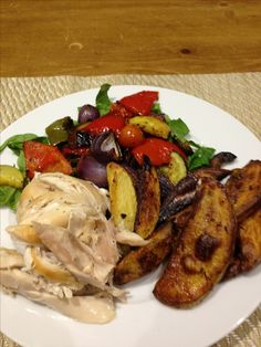 Mediterranean Veg on spinach with roast chicken and spicy wedges (FREE) Slimming World Recipes, Roast Chicken, Spinach, Wedges, Meat, Free, Wedge, Wedge Sandals, Wedge Sandal