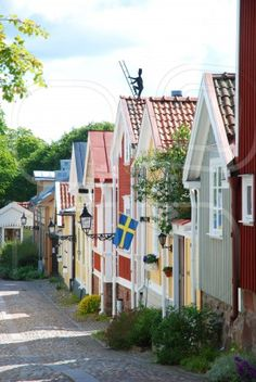 travel-lusting:  Sweden Voyage Suede, Swedish Cottage, Houses In Sweden, Sweden House, Small Houses, Wooden Houses, Wooden Buildings, Scandinavian Countries, Scandinavian Home