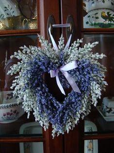 Lavender Crafts, Lavender Wreath, Lavender Flowers, Lavander, Valentine Wreath, Valentine Decorations, Valentines, Wreath Crafts, Diy Wreath