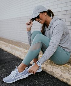 46cd9fc18aa58 crop hoodie adidas sneakers athleta activewear new york yankees ball cap  ray ban aviators exercise routine workout routines leg exercises cute  activewear ...