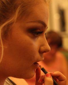 #portraitmood #portraitpage #portraitphotography #portraiture #photography #photographer #photographyislifee #event #student #freelance #instagood #instadaily #instaphoto #canon #capture #canoneos #dslr #dslrphoto #50mm #model #makeuptutorial butimag.com/...