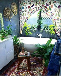 Cool 20+ Unique Hippie Home Decor https://modernhousemagz.com/20-unique-hippie-home-decor/ #HippieHomeDecor