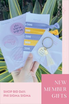 Spoil your new members this recruitment with the Pref Present bundle! Gift bag includes a sorority tassel keychain, hair tie set, and button set. Phi Sigma Sigma Gifts   Phi Sigma Sigma Bid Day   Phi Sig New Member Gifts   PhiSig Rush Gift Bags   Phi Sigma Sigma Recruitment   Sorority Bid Day   Sorority Recruitment   Bid Day Bags   Sorority New Member Gift Ideas #BidDayGifts #SororityRecruitment Alpha Epsilon Phi, Phi Sigma Sigma, Alpha Sigma Alpha, Sorority Bid Day, Sorority Recruitment, Bid Day Gifts, Graduation Gifts For Her, Tassel Keychain, Elastic Hair Ties
