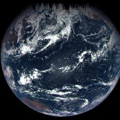 """Полет космической межпланетной станции NASA к астероиду """"Бенну"""" позволил сделать уникальные снимки Земли с расстояния 170 тысяч километров 22 сентября 2017 года"""
