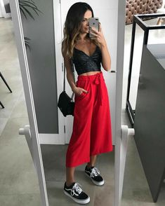 New fashion outfits summer casual cardigans 48 ideas Casual Summer Outfits, Spring Outfits, Looks Style, Casual Looks, Mode Outfits, Fashion Outfits, How To Wear Culottes, Red Culottes Outfit, Pantalon Long