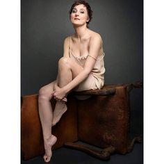 Isabel Gaudí @isabelgaudi Fotografía @mantrana #picoftheday #retrato #portrait #photography #fotografia #woman #mujer #actriz #teatro #cine ##television