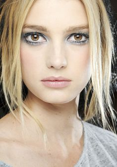 Chanel-backstage make up.