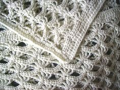 crochet baby blanket - click link below pic to get free Lion Brand pattern!