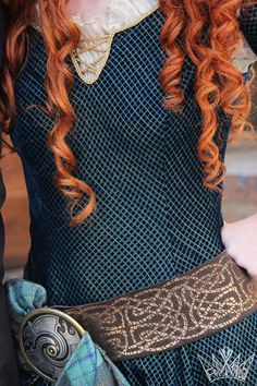 Disney Cosplay Merida from Brave, dress details, disney face character - Merida Cosplay, Disney Cosplay, Disney Costumes, Cosplay Costumes, Merida Brave Costume, Merida Dress, Disney Princess Cosplay, Disney Face Characters, Disney Films