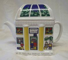 Wade English Life Teapots  Railway Station  5.4