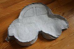 Almofada em formato de carrinho com molde!   Artesanato & Humor de Mulher