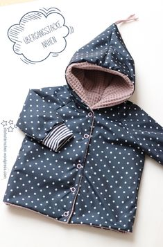 A transition jacket with new Eine Übergangsjacke mit neuen Herausforderungen Although I have already sewed some clothes for the little one, for friends and also for myself, I still feel quite inexperienced and so I try to do every new piece … - Winter Outfits For Teen Girls, Baby Boy Outfits, Outfits For Teens, Stylish Outfits, Toddler Outfits, Toddler Winter Fashion, Baby Girl Fashion, Fashion Kids, Raincoats For Women