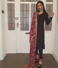 Defining the Grace of Punjabi Suits Muslim Fashion, Bollywood Fashion, Asian Fashion, Pakistani Dresses Casual, Indian Dresses, Western Dresses, Indian Wedding Outfits, Indian Outfits, Wedding Dresses
