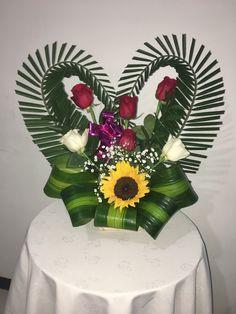 Creative Flower Arrangements, Modern Floral Arrangements, Church Flower Arrangements, Flower Decorations, Table Decorations, Valentines Flowers, Funeral Flowers, Unique Flowers, Arte Floral