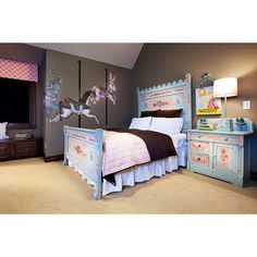 Shabby chic bedroom with carousel painting. #rumahkubedroom