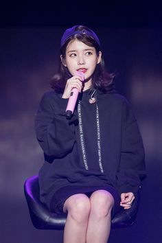 "IU 171103 ""Palette"" Tour Concert in Busan Korean Model, Korean Singer, Iu Fashion, Korean Fashion, Koo Hye Sun, Cute Poses, Wearing Black, Girl Crushes, Role Models"