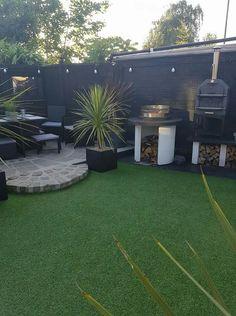 Cordyline in pots! Backyard Seating, Backyard Patio Designs, Backyard Fences, Backyard Landscaping, Back Gardens, Outdoor Gardens, Tiny Garden Ideas, Small Garden Landscape, Garden Edging