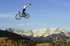 Mountain Bike Jumps   Cool Pictures   Cool Stuff