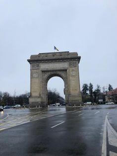 In Bucuresti va puteti bucura de numeroase experiente turistice placute. Nu uitati sa treceti si pe la Arcul de Triumf! Places Around The World, Around The Worlds, George Washington Bridge, Romania, Beautiful Places, Travel, Viajes, Destinations, Traveling