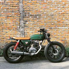 Honda CB125 brat
