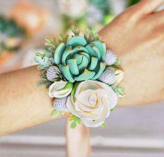 Succulent Corsage Wedding Corsage wrist by FlowersKartasheva Prom Flowers, White Wedding Flowers, Bridal Flowers, Flower Bouquet Wedding, Floral Wedding, Bridal Bouquets, Wedding Decor, Wedding Ideas, Bridesmaid Accessories