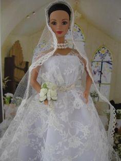 Cream Wedding. €7. Zelfgemaakte Barbie kleding te koop via Marktplaats bij de advertenties van Nala fashion. Homemade Barbie doll clothes (OOAK) for sale through Marktplaats.nl