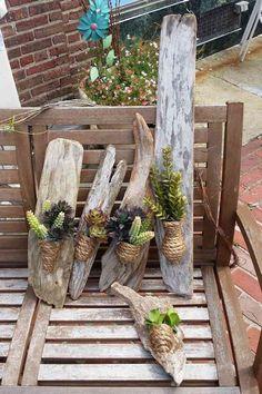 Vous rêvez d'un arrangement floral qui ravivera votre décoration intérieure ? Optez pour une déco bois flotté & plantes succulentes pour que votre habitatio