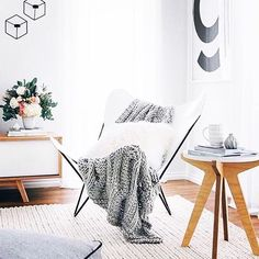 So many cosy textures in this living room by @oh.eight.oh.nine but of course…