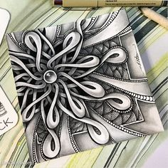 It was about time that I put together all the materials I have on how to shade Zentangle This bundle is made of 3 videos plus the super successful Shading Fearlessly ebook. Doodle Art Drawing, Zentangle Drawings, Doodles Zentangles, Doodle Art Designs, Doodle Patterns, Zentangle Patterns, Art Patterns, Zantangle Art, Zen Art
