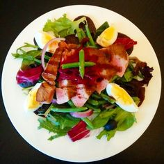 #dinner... Seared Ahi Tuna Nicoise salad with green beans , red onion, salad leaves 1 egg and 6 olives (1syn) #delicious and speedy! #slimmingworld #slimmingworldusa #foodoptimizing #slimmingworldmeals #slimmingworldfollowers #slimmingworldjourney #weightwatchers #swinsta #motivation #yummy #protein  #weightlossjourney #Healthy #fitness #Healthylifestyle #cleaneats #eatclean #healthyeats #fooddiary #food  #wholefoods #nutrition #homemade #lowfat #nocarbs #foodporn #cooking