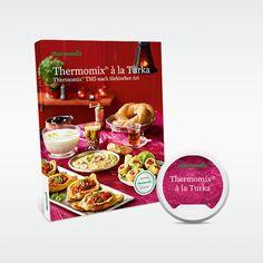 """Die türkische Küche ist gesund, vielfältig und köstlich. Und nun kommt Sie zu Ihnen nach Hause: Mediterrane Köstlichkeiten wie Walnusssuppe mit Hühnchen, Dorade mit Okraschoten oder Lammragout mit Auberginenpüree sind künftig kein Problem mehr mit unserem Kochbuch """"Thermomix® à la Turka"""" und dem dazugehörigen Rezept-Chip für den Thermomix TM5.   Über 80 Rezepte hat die Journalistin und Köchin Nilüfer Sahin auf mehr als 200 Seiten für Sie zusammengestellt. Dazu gibt es viel Tipps…"""