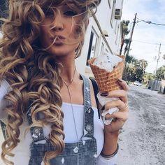 Aspen Mansfield - such gorgeous hair ❤️ Down Hairstyles, Pretty Hairstyles, Curly Hair Styles, Natural Hair Styles, Hair Laid, Good Hair Day, Up Girl, Gorgeous Hair, Hair Looks