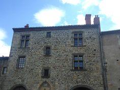 Maisons du vieux Billom médiéval, maisons de pierres ou à colombages  Billom…