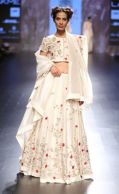 By designer Prama by Pratima Pandey. Shop for your wedding trousseau, with a… India Fashion Week, Lakme Fashion Week, Indian Attire, Indian Wear, Indian Dresses, Indian Outfits, Indian Clothes, Ethnic Fashion, Asian Fashion