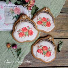 Вот они во всей красе ( это я так скромненько о своих пряничках)) #имбирныепряники#пряникиимбирные#имбирноепеченье#декорпряников#пряникиручнойработы#decoratedcookies#decoratedsugarcookies#royalicing#icingcookies#icing