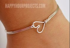 Found this on the internet. Simple wire wrap bracelet. Heart.