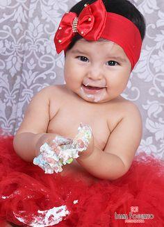 Smash the cake da linda Seana Valentina!! LUANA FOGGIATTO FOTOGRAFIAS Rua Jorge Lacerda, 1216, próximo ao banco do Brasil. São José do Cedro - SC Fone: (49) 3643.1626 - 9147.0366 #shamash #1aninho #photo #book