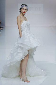 Cymbeline 2019. Best Wedding Dresses, Bridal Dresses, Wedding Gowns, Chevron Patterns, Paris Mode, Couture, The Dress, Different Styles, One Shoulder Wedding Dress