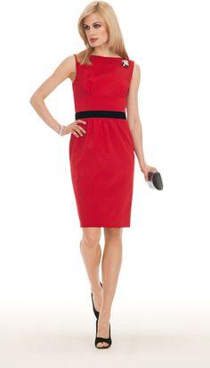 Il Capodanno di Luisa Spagnoli? Tre abiti sensuali e sempre eleganti da abbinare alle pochette e agli accessori del brand.http://www.sfilate.it/214813/un-capodanno-da-diva-noir-per-la-donna-luisa-spagnoli