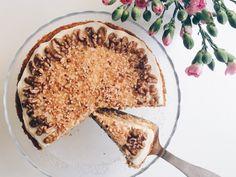 Maailman paras ja helpoin porkkanakakku Tiramisu, Yummy Food, Treats, Baking, Ethnic Recipes, Desserts, Foods, Sweet Like Candy, Tailgate Desserts