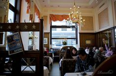 Café Mozart, Vienna I Want To Travel, Travel Abroad, Awesome Stuff, Vienna, Places Ive Been, Bucket, Coffee, Interior, Home