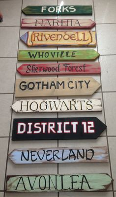 Great garden signs! Hogwarts, Narnia, Rivendell, Neverland... Which one would you be putting up?