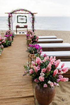 Casamento na praia de Carolina e Gustavo