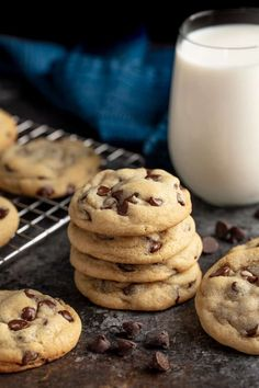 These Chocolate Chip Cookies are perfectly soft and buttery and so easy to make! This is the quintessential classic chocolate chip cookie recipe! Classic Chocolate Chip Cookies Recipe, Chocolate Cookies, Soft Cookie Recipe, Chocolate Chip Cookie Dough, Chocolate Chips, Slow Cooker Desserts, Cookie Desserts, Cookie Recipes, Dessert Recipes