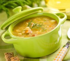 Peas are packed with nutrition to support your body. This potato & pea soup recipe is an easy way to enjoy the wonderful benefits of peas! Soup Recipes, Cooking Recipes, Healthy Recipes, Benefits Of Peas, Sopas Light, Sopa Detox, Portuguese Recipes, Eat Right, Light Recipes