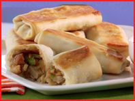 Baked Shrimp Egg Rolls from Hungry Girl: 198 calories, 5 points+ per serving Egg Roll Recipes, Ww Recipes, Seafood Recipes, Appetizer Recipes, Great Recipes, Cooking Recipes, Favorite Recipes, Asian Recipes, Recipies